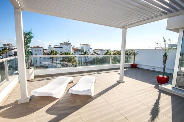 Ático de 3 habitaciones en San Pedro de Alcantara en venta con piscina garaje - 950.000 € (Ref: 4654729)