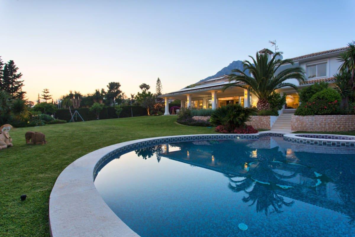7 bedroom Villa for rent in Marbella with pool garage - € 12,000 (Ref: 5295088)