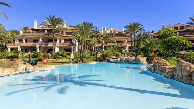 3 Zimmer Ferienapartment in Los Monteros mit Pool Garage - 3.500 € (Ref: 5311481)
