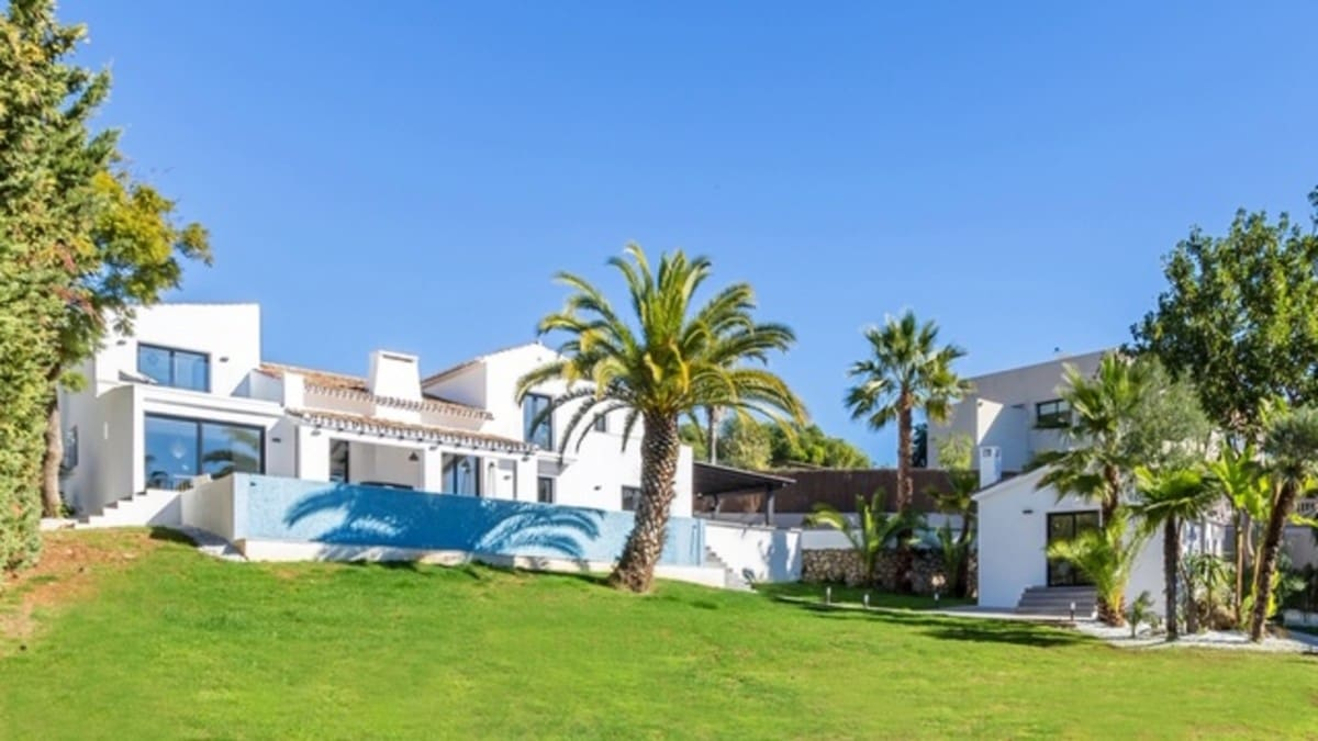 6 bedroom Villa for holiday rental in Marbella with pool garage - € 15,000 (Ref: 6240602)
