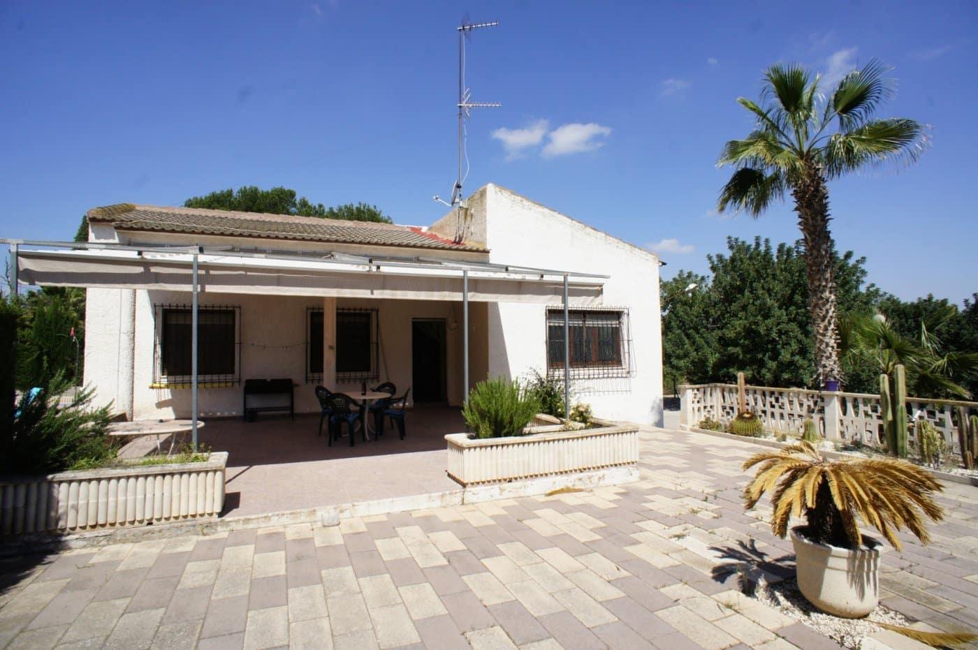 Chalet de 4 habitaciones en Orihuela en venta con piscina - 210.000 € (Ref: 4569316)