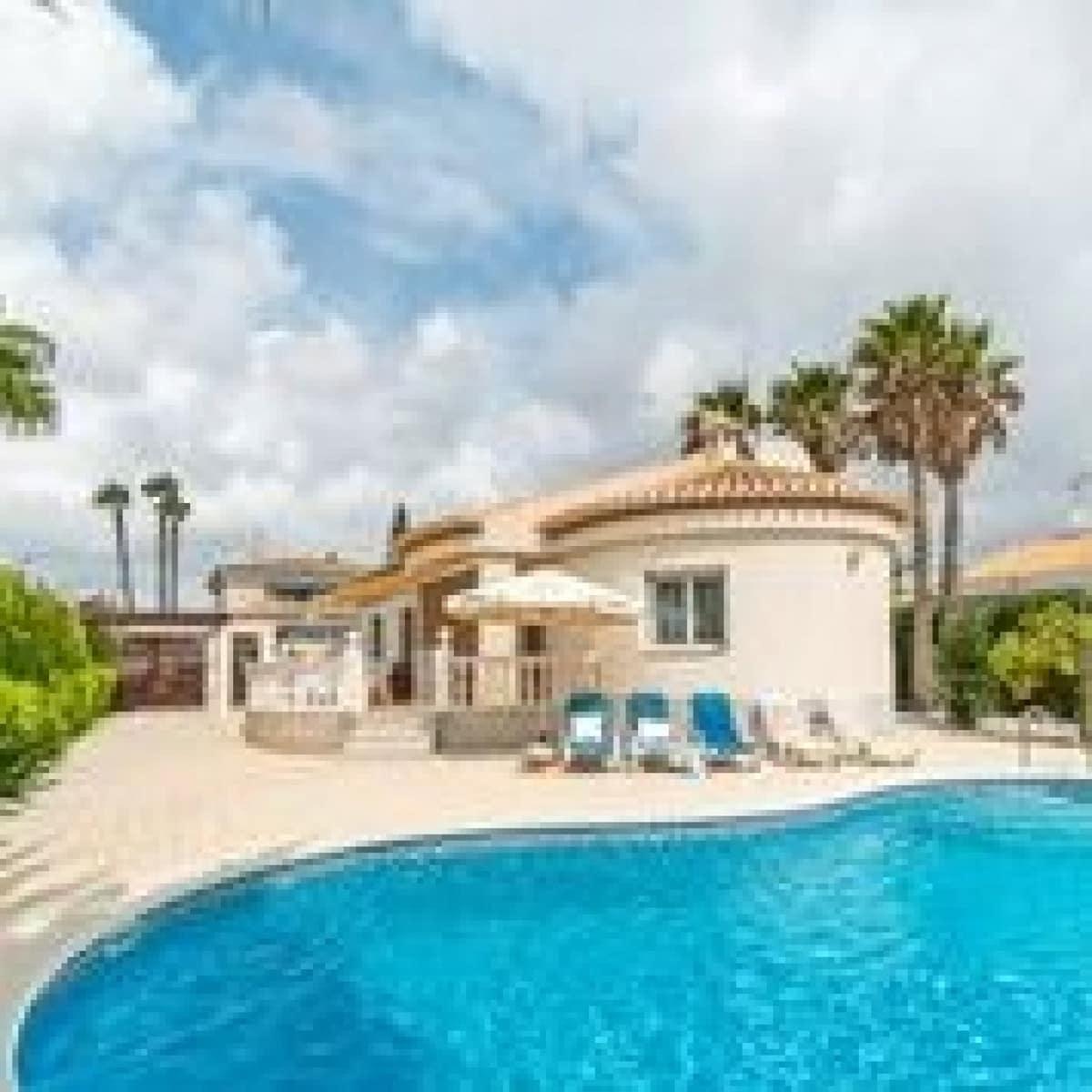 Chalet de 3 habitaciones en Playa Flamenca en venta con piscina - 380.000 € (Ref: 4922154)