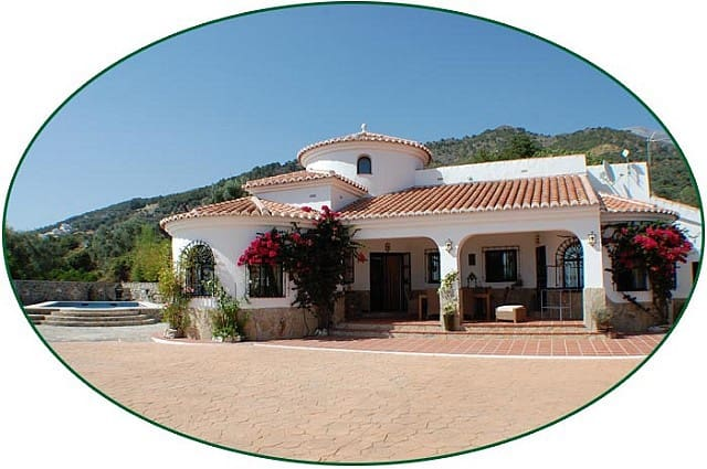 3 bedroom Villa for sale in Canillas de Aceituno with pool - € 450,000 (Ref: 5028027)