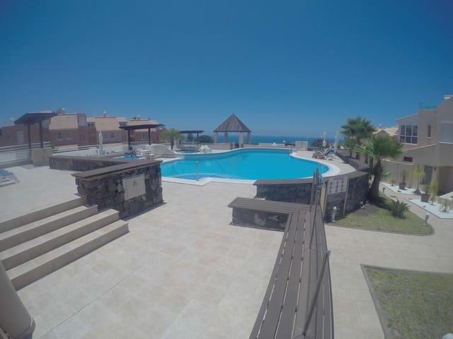 4 sovrum Villa till salu i La Caleta Adeje med pool garage - 840 000 € (Ref: 5667268)