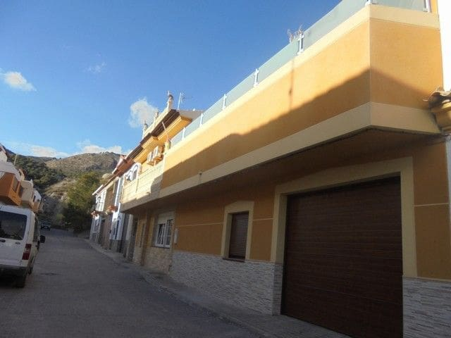 5 soveværelse Finca/Landehus til salg i Fondon med swimmingpool garage - € 205.000 (Ref: 5938357)