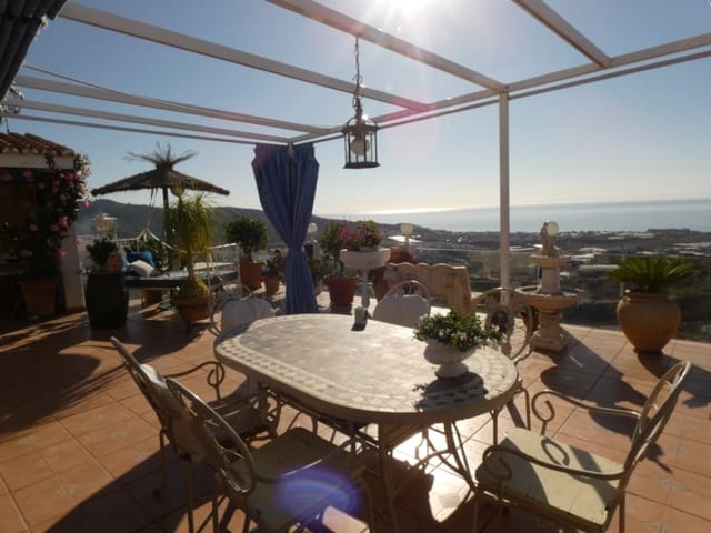 3 soveværelse Villa til salg i Torrox med swimmingpool garage - € 350.000 (Ref: 5648549)