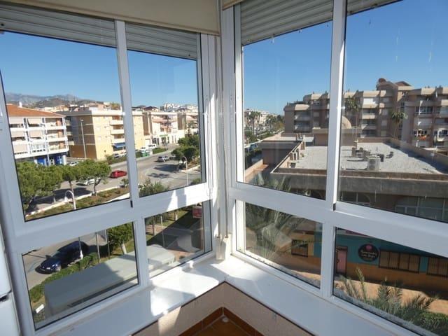 2 soveværelse Strandlejlighed til leje i Torrox-Costa med swimmingpool - € 500 (Ref: 5671729)