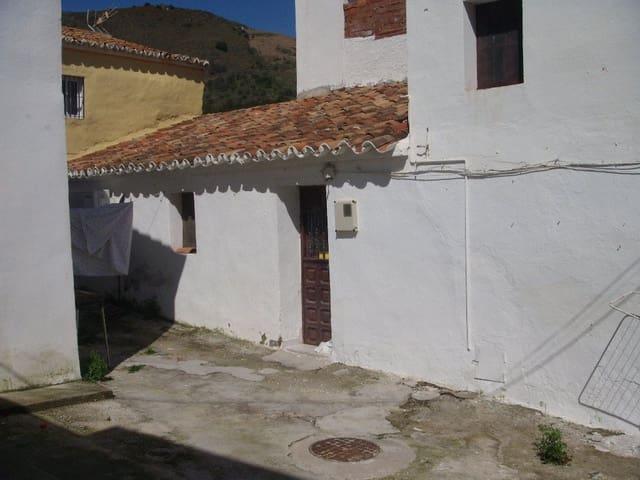Casa de 2 habitaciones en Moclinejo en venta - 66.000 € (Ref: 3122042)