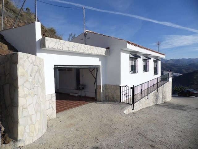 2 chambre Finca/Maison de Campagne à vendre à Arenas avec garage - 146 000 € (Ref: 3600899)