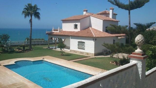 4 sovrum Villa till salu i Mezquitilla med pool garage - 735 000 € (Ref: 3600967)