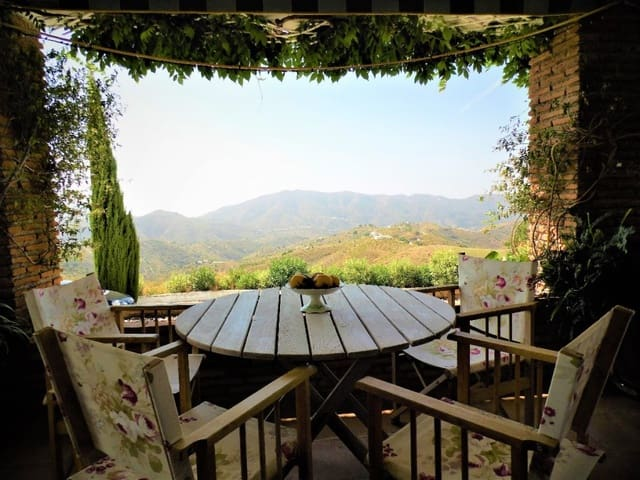 3 camera da letto Finca/Casa di Campagna in vendita in Sedella con piscina garage - 345.000 € (Rif: 4166755)
