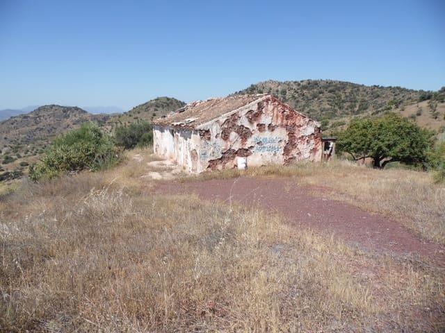 Ruine à vendre à Almogia - 150 000 € (Ref: 4706872)