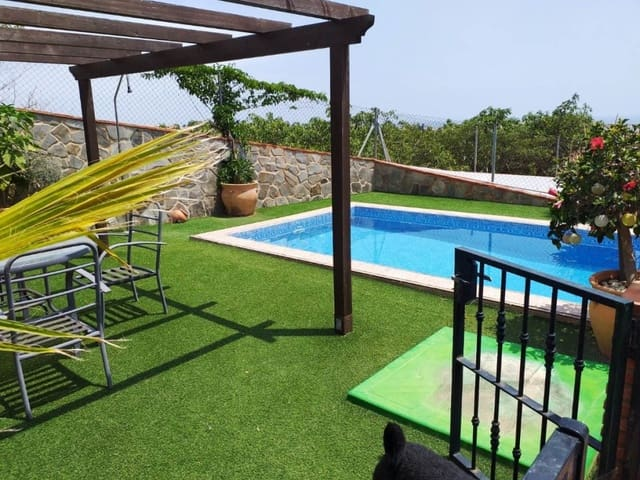 2 soverom Kjedet enebolig til salgs i Torrox-Costa med svømmebasseng garasje - € 220 000 (Ref: 5532268)