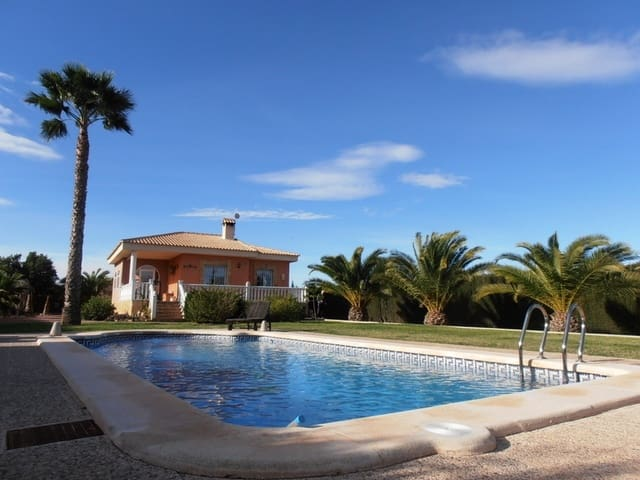 5 soveværelse Finca/Landehus til salg i Albatera med swimmingpool - € 300.000 (Ref: 5782657)