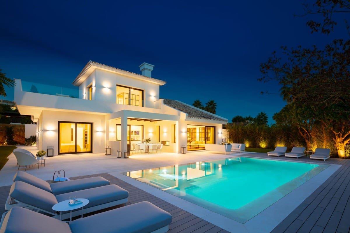 4 bedroom Villa for sale in Marbella with pool - € 2,795,000 (Ref: 5111603)