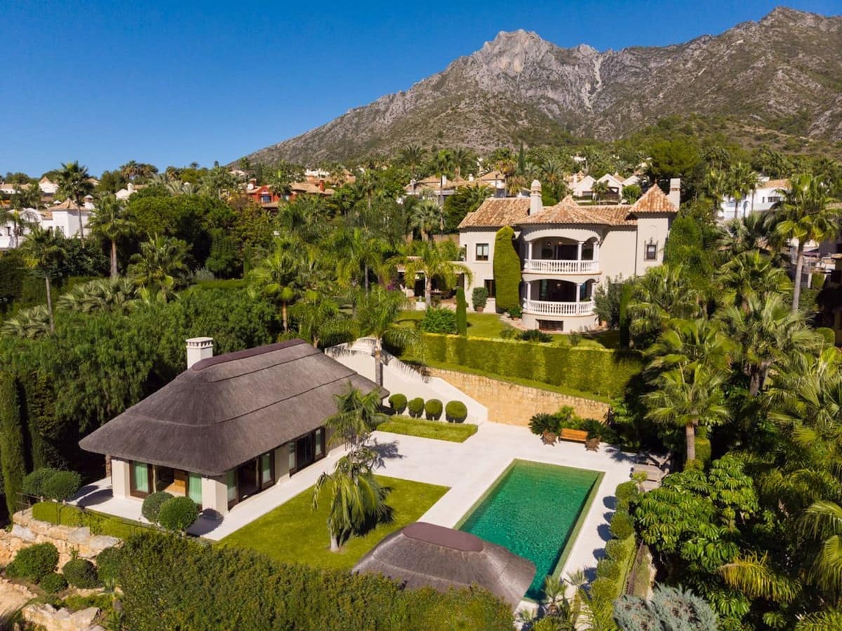 5 bedroom Villa for sale in Marbella with pool - € 7,995,000 (Ref: 5132950)