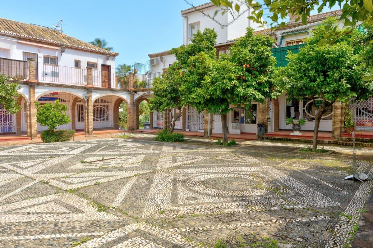 4 soveværelse Semi-Rækkehus til salg i Las Chapas med garage - € 179.000 (Ref: 5209144)