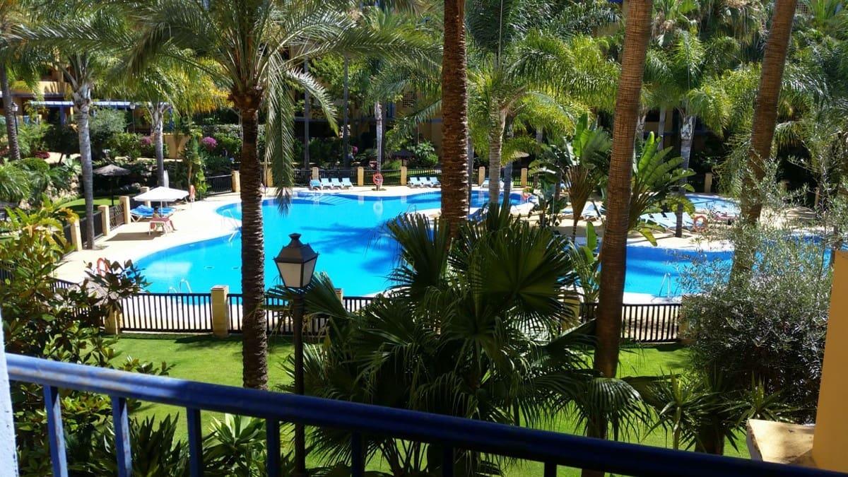 2 slaapkamer Appartement te huur in San Pedro de Alcantara met zwembad - € 1.300 (Ref: 4666883)