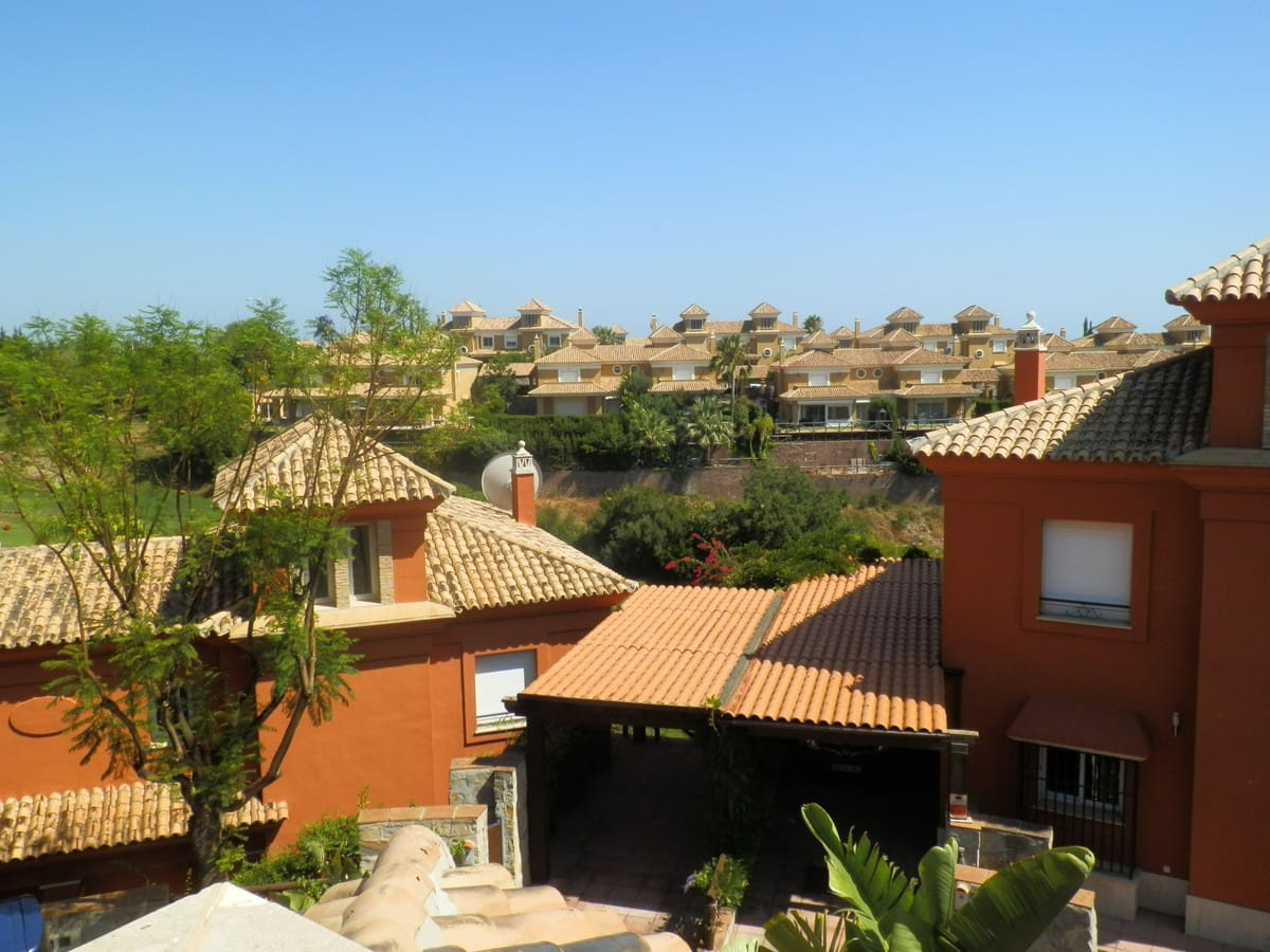 5 slaapkamer Huis te huur in Marbella met zwembad garage - € 3.000 (Ref: 4678564)