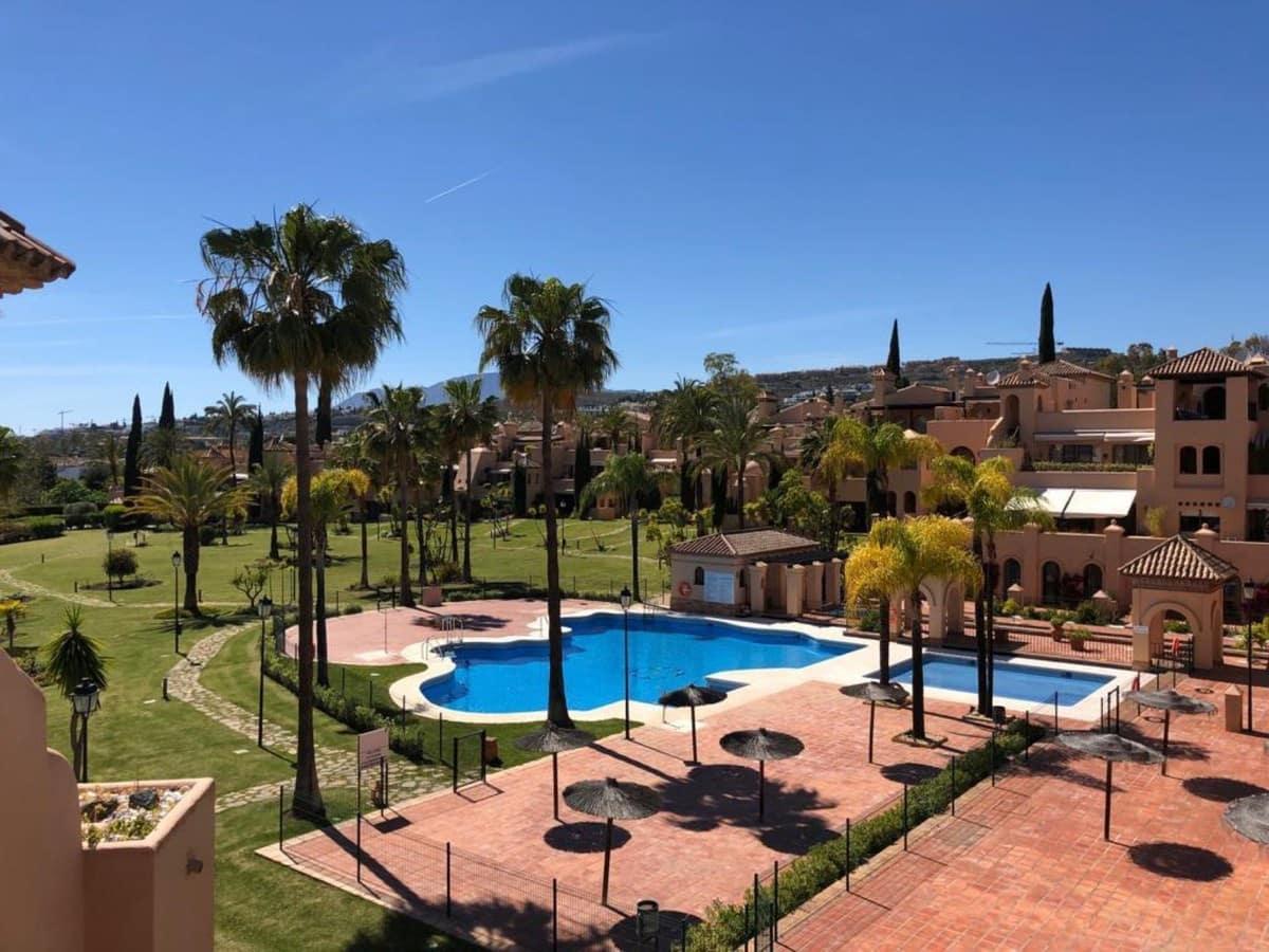 4 slaapkamer Penthouse te huur in Estepona met zwembad garage - € 4.000 (Ref: 5319635)