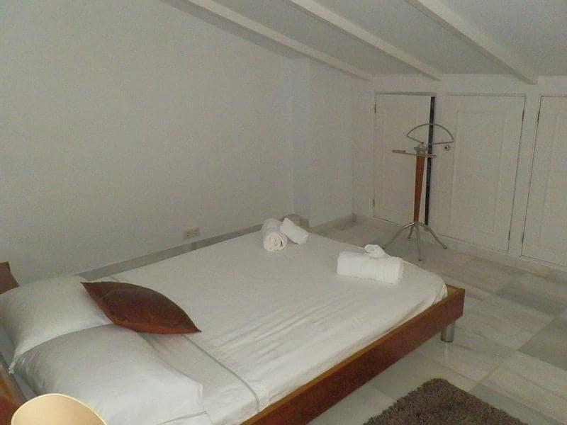 3 soveværelse Penthouse til leje i Estepona - € 1.200 (Ref: 5702250)