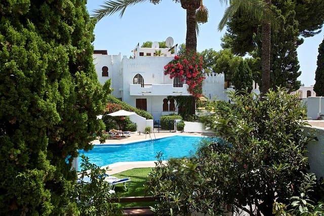 3 sypialnia Dom do wynajęcia w Nueva Andalucia - 2 500 € (Ref: 5702269)