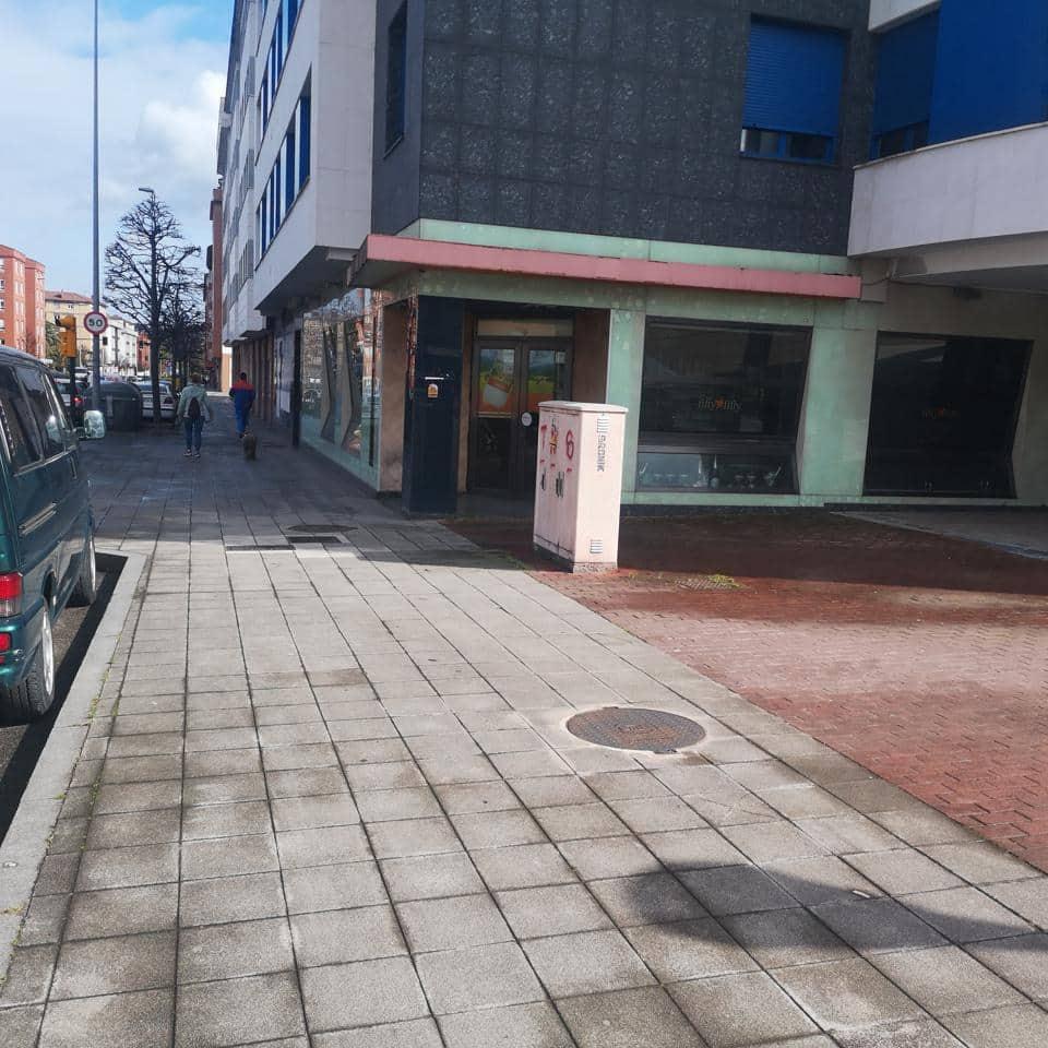 Negocio de 5 habitaciones en Gijón en venta - 360.000 € (Ref: 5211030)