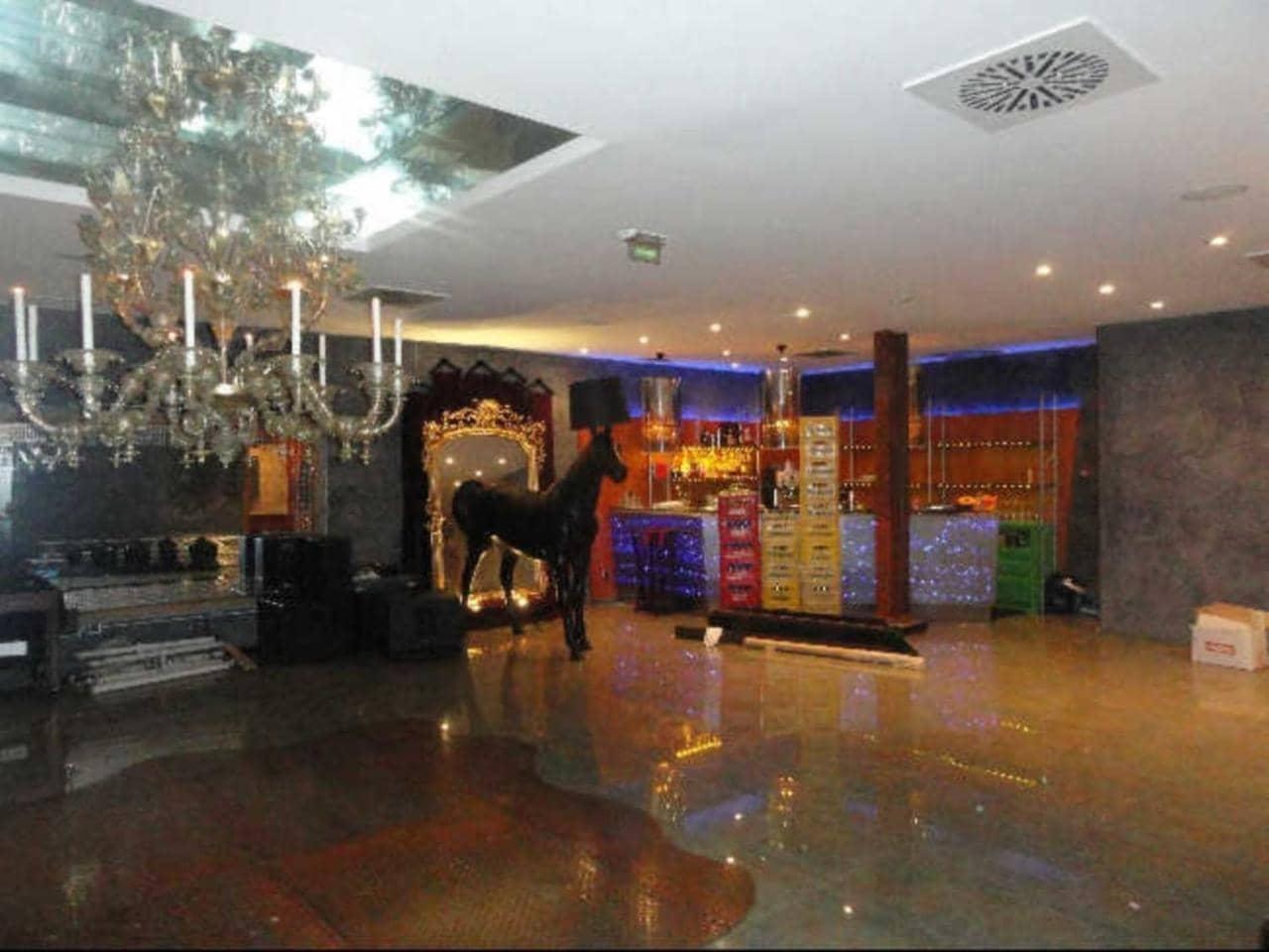 5 slaapkamer Bedrijf te huur in Gijon - € 5.000 (Ref: 5256859)