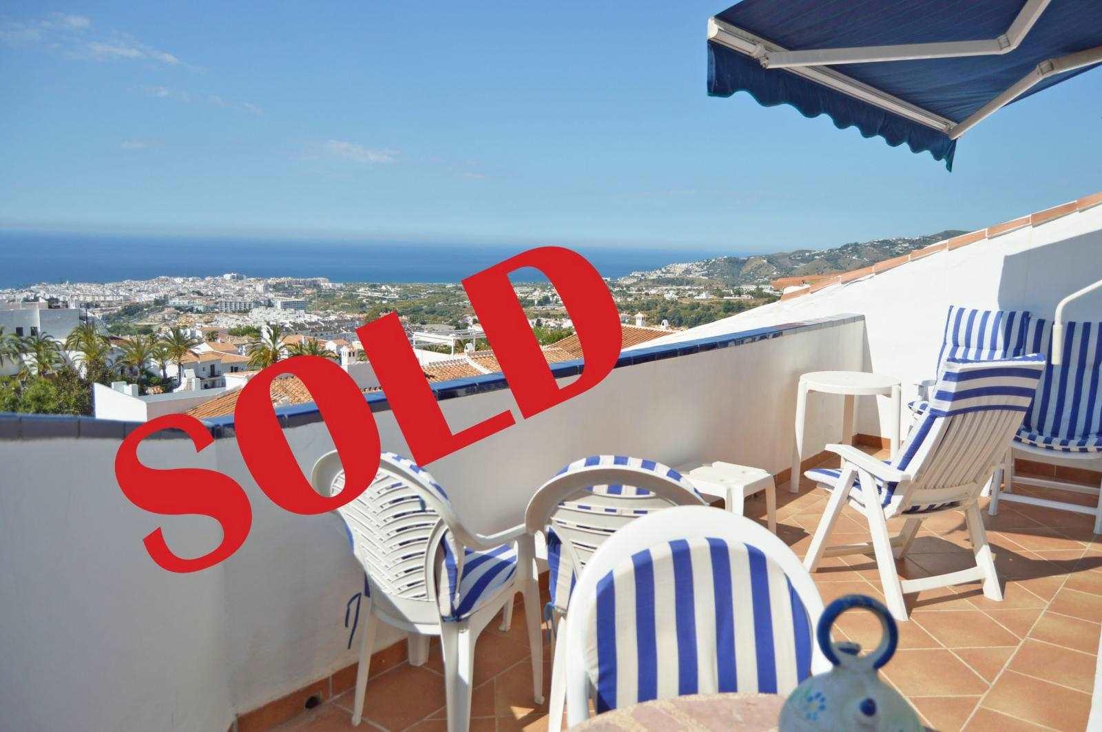2 bedroom Beach Apartment for sale in Nerja - € 195,000 (Ref: 3481860)