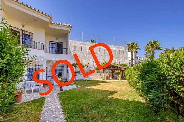 Adosado de 2 habitaciones en Torrox-Costa en venta con piscina garaje - 220.000 € (Ref: 5441664)