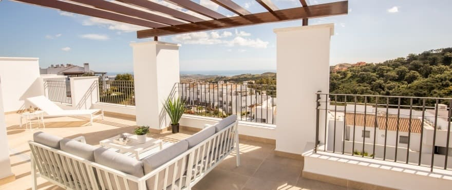 2 bedroom Apartment for sale in Marbella with pool - € 222,000 (Ref: 3805008)