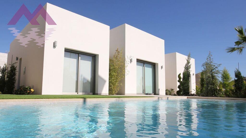 Chalet de 3 habitaciones en Benijófar en venta con piscina - 289.000 € (Ref: 3616054)