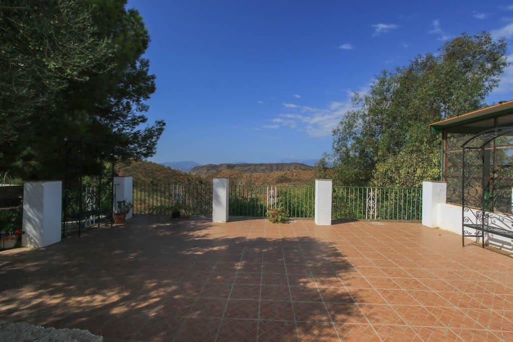 8 soverom Hotell til salgs i Pizarra med garasje - € 570 000 (Ref: 3577111)