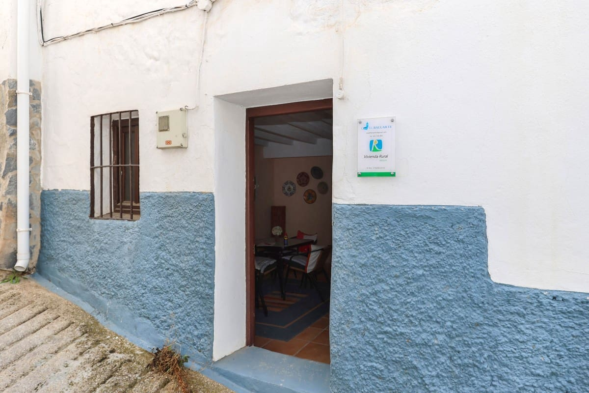 2 bedroom Townhouse for sale in Yunquera - € 69,000 (Ref: 6373733)