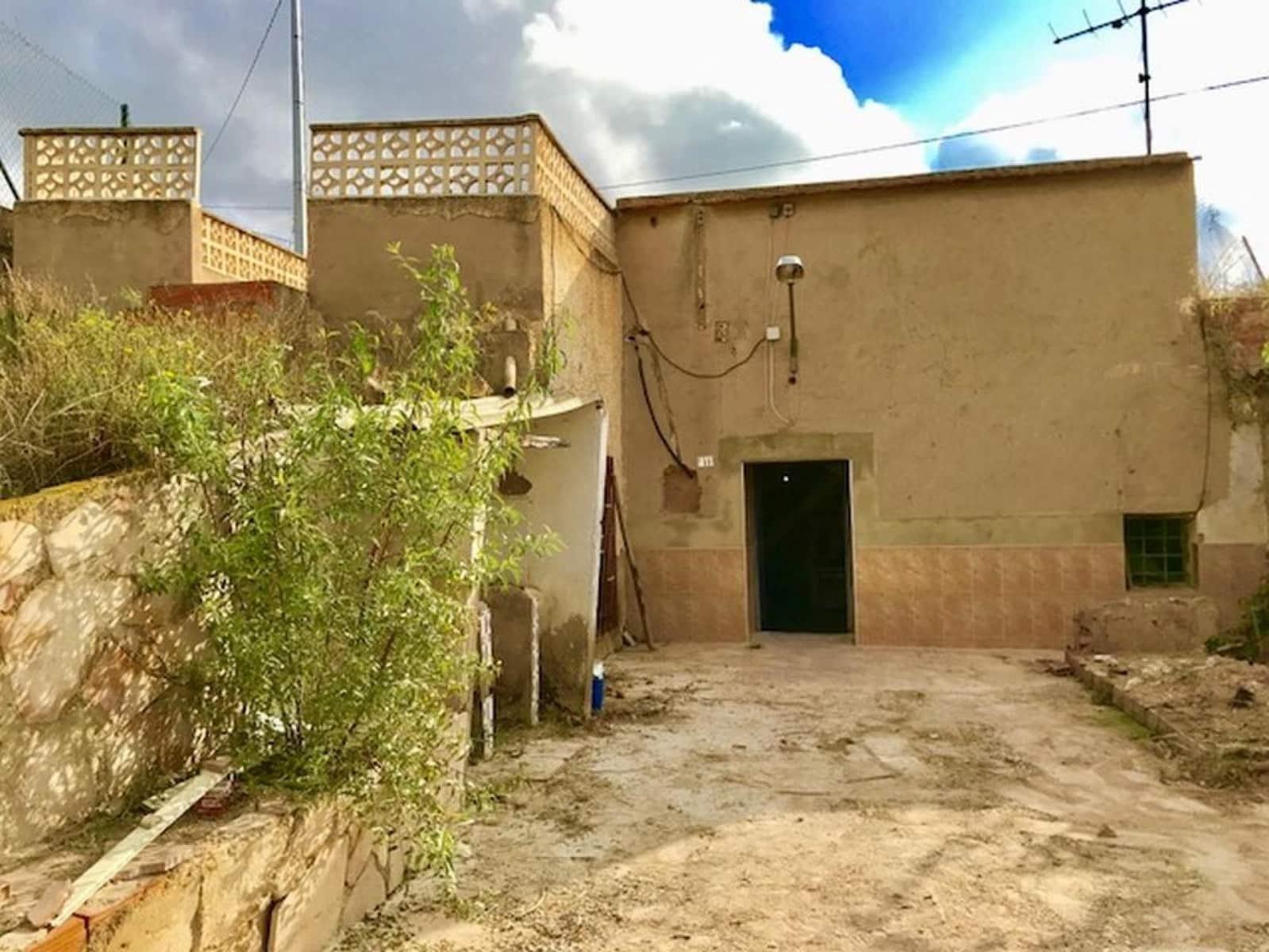 5 sypialnia Dom w skale na sprzedaż w La Romana - 74 900 € (Ref: 3939366)