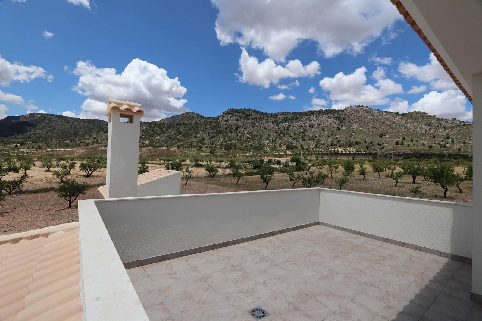 6 bedroom Villa for sale in Pinoso - € 319,000 (Ref: 4007423)