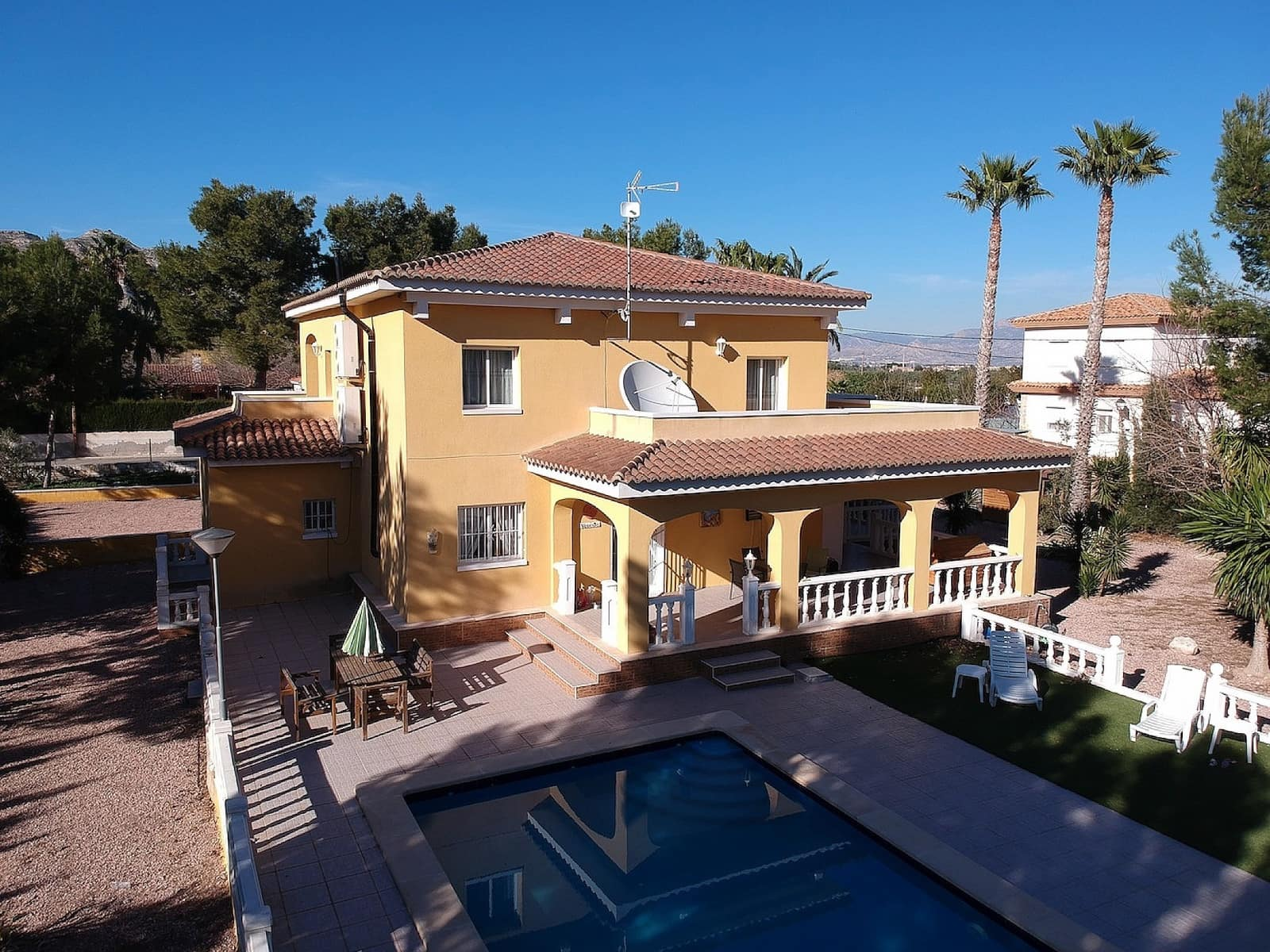 6 bedroom Villa for sale in Aspe with pool - € 399,995 (Ref: 5075498)