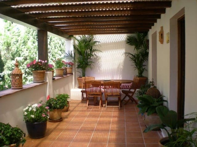 4 bedroom Townhouse for holiday rental in Golden Mile with pool - € 1,600 (Ref: 2311294)