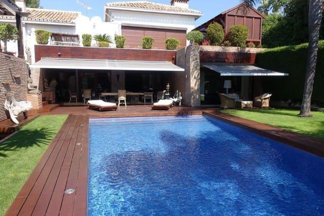 7 sypialnia Willa na kwatery wakacyjne w Las Chapas z basenem garażem - 15 000 € (Ref: 3133432)