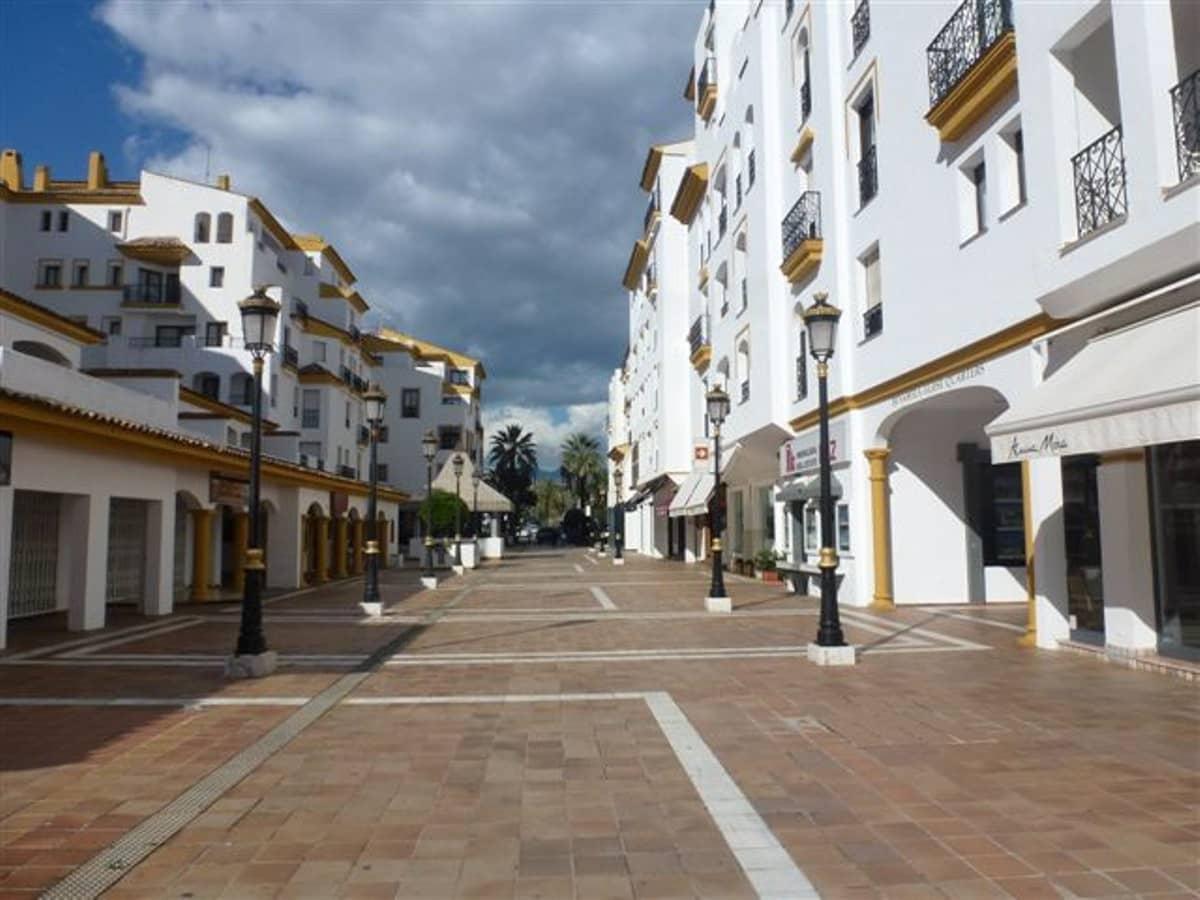 Bedrijf te huur in Puerto Banus - € 2.800 (Ref: 3181734)