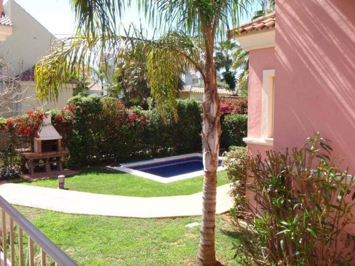 5 bedroom Semi-detached Villa for holiday rental in Puerto Banus with pool garage - € 4,000 (Ref: 3290317)