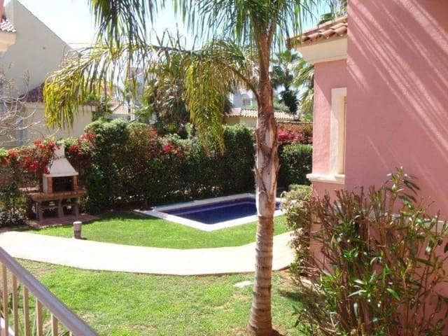 5 bedroom Semi-detached Villa for holiday rental in Puerto Banus with pool garage - € 4,000 (Ref: 3290317)