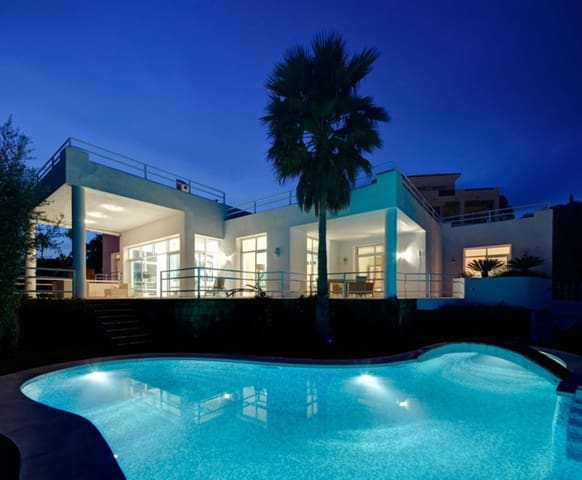 5 bedroom Villa for holiday rental in La Quinta with pool garage - € 7,000 (Ref: 3369331)