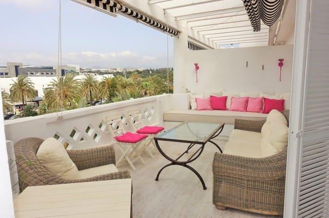 Ático de 3 habitaciones en Puerto Banus en alquiler vacacional con piscina garaje - 3.000 € (Ref: 3468597)