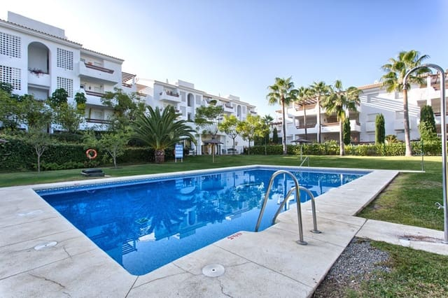 3 bedroom Apartment for holiday rental in New Golden Mile with pool garage - € 700 (Ref: 3472189)