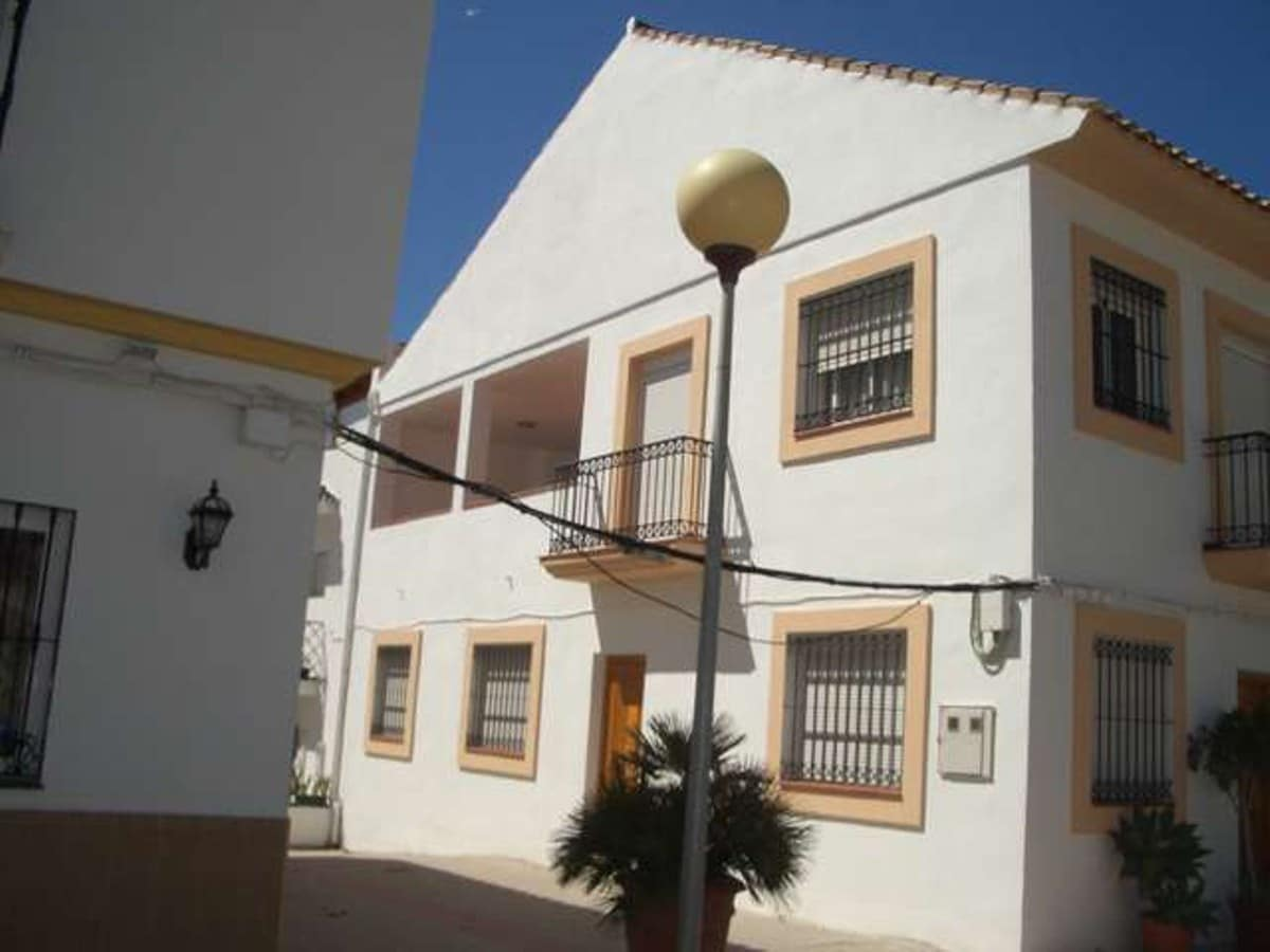 4 bedroom Townhouse for holiday rental in Marbella - € 1,500 (Ref: 3612107)