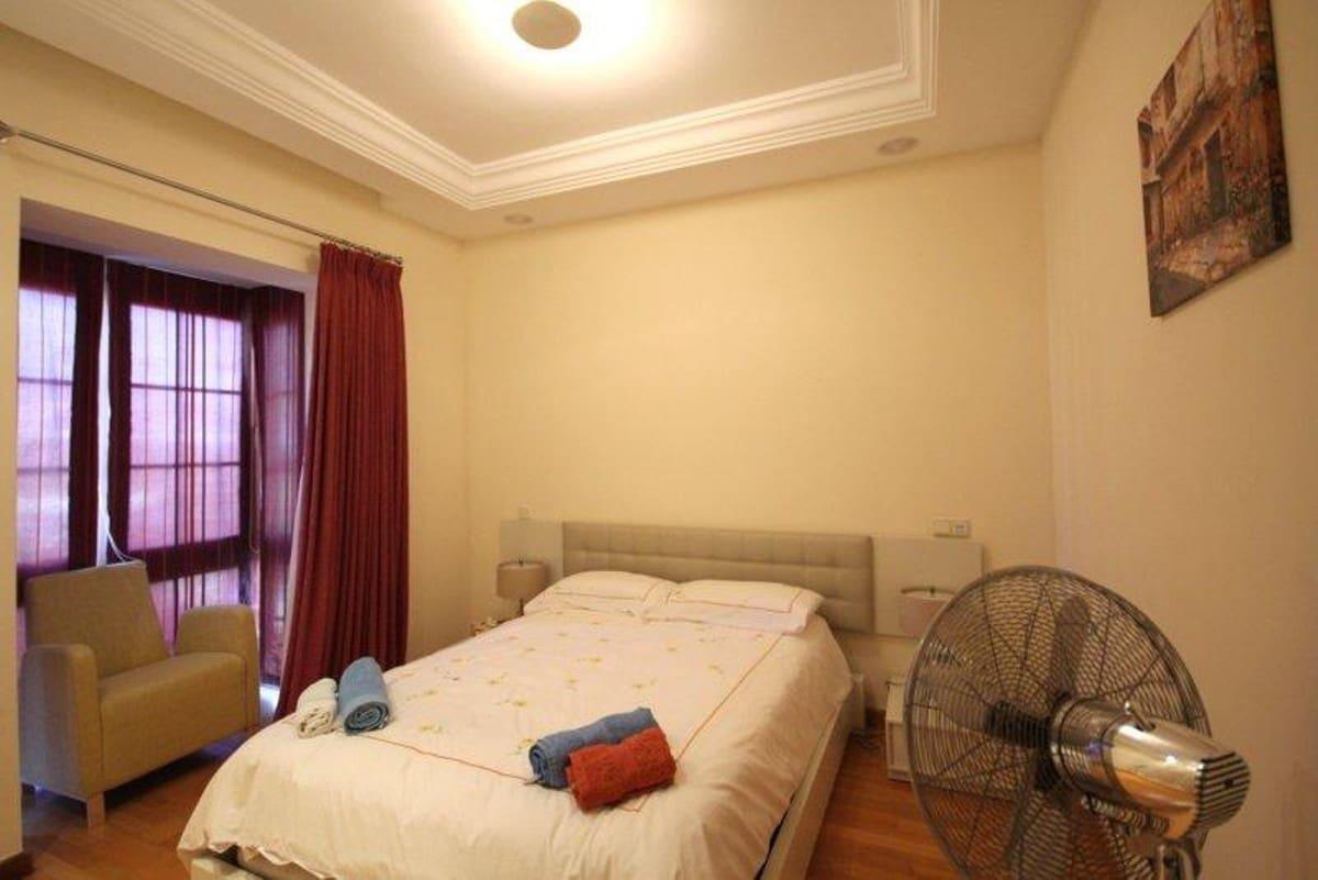 5 slaapkamer Halfvrijstaande villa voor vakantieverhuur in Puerto Banus met zwembad - € 5.500 (Ref: 3612225)