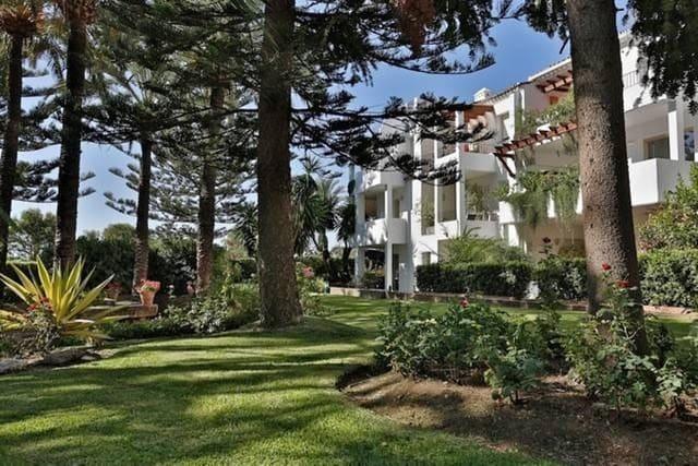 2 sypialnia Apartament na kwatery wakacyjne w San Pedro de Alcantara z basenem garażem - 1 000 € (Ref: 3612239)