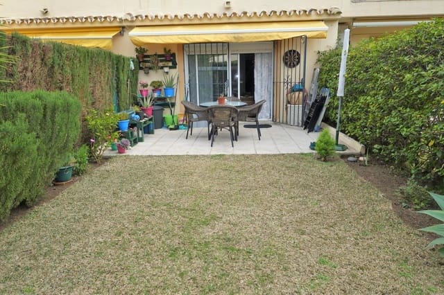 3 bedroom Semi-detached Villa for sale in Aloha Golf with pool garage - € 275,000 (Ref: 3776780)