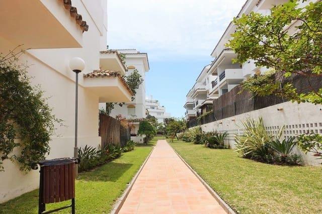 4 sypialnia Penthouse na kwatery wakacyjne w Guadalmina z basenem garażem - 1 500 € (Ref: 3999836)